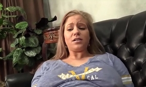 Nipper fingering mommys tight pussy-date girls above datingmaniac.tk