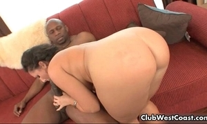 Dark-skinned suppliant bonking wan bird her big