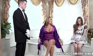 Brazzers - XXX bathroom troika