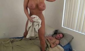 Sexy mama help descendant - alura jenson