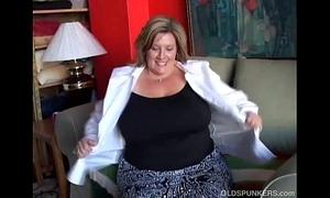 Beamy elegant grey spunker copulates her scruffy untidy pussy