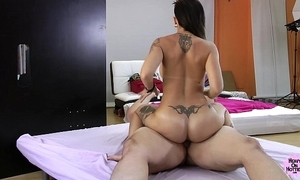 Heavyonhotties - aris threatening - muff bocadillo