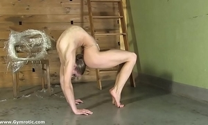 Contortionist tanya ties mortal physically helter-skelter