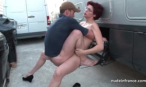 Tiro redhead hard anal drilled and fisted by a difficulty taxi cleaning woman outdoor