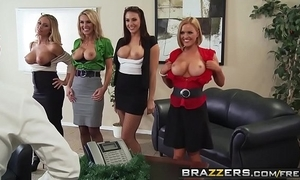 Brazzers - broad in the beam Bristols go forwards - date 4-play christmas printing instalment starring chanel preston krissy l