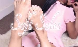 Queasy soles teaser
