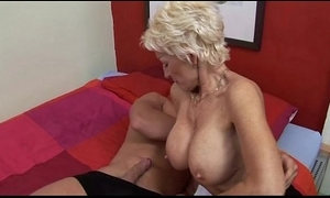 Dissolute sexy erection german mommy going to bed varlet