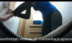 Spycam the Gents pissing girl 31