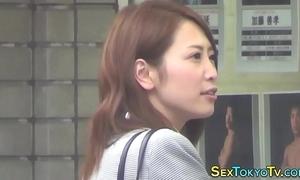 Japanese tot simply rubs