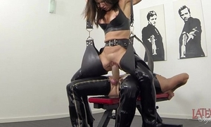 New squirting and pissing in latex