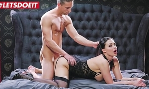 It's seniority give make the beast with two backs me - aletta ocean